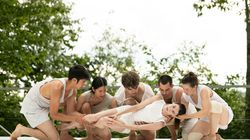 """Brian Brooks/Moving Company in """"Closing Distance"""" at Jacob's Pillow Dance Festival."""