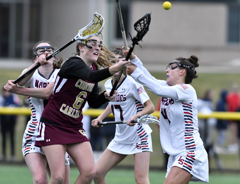 Concord-Carlisle's Gabrielle Mirak (6) encountered stiff resistance from Lincoln-Sudbury's defense.