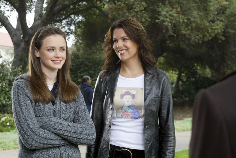 Alexis Bledel (left) as Rory Gilmore and Lauren Graham as Lorelai Gilmore.