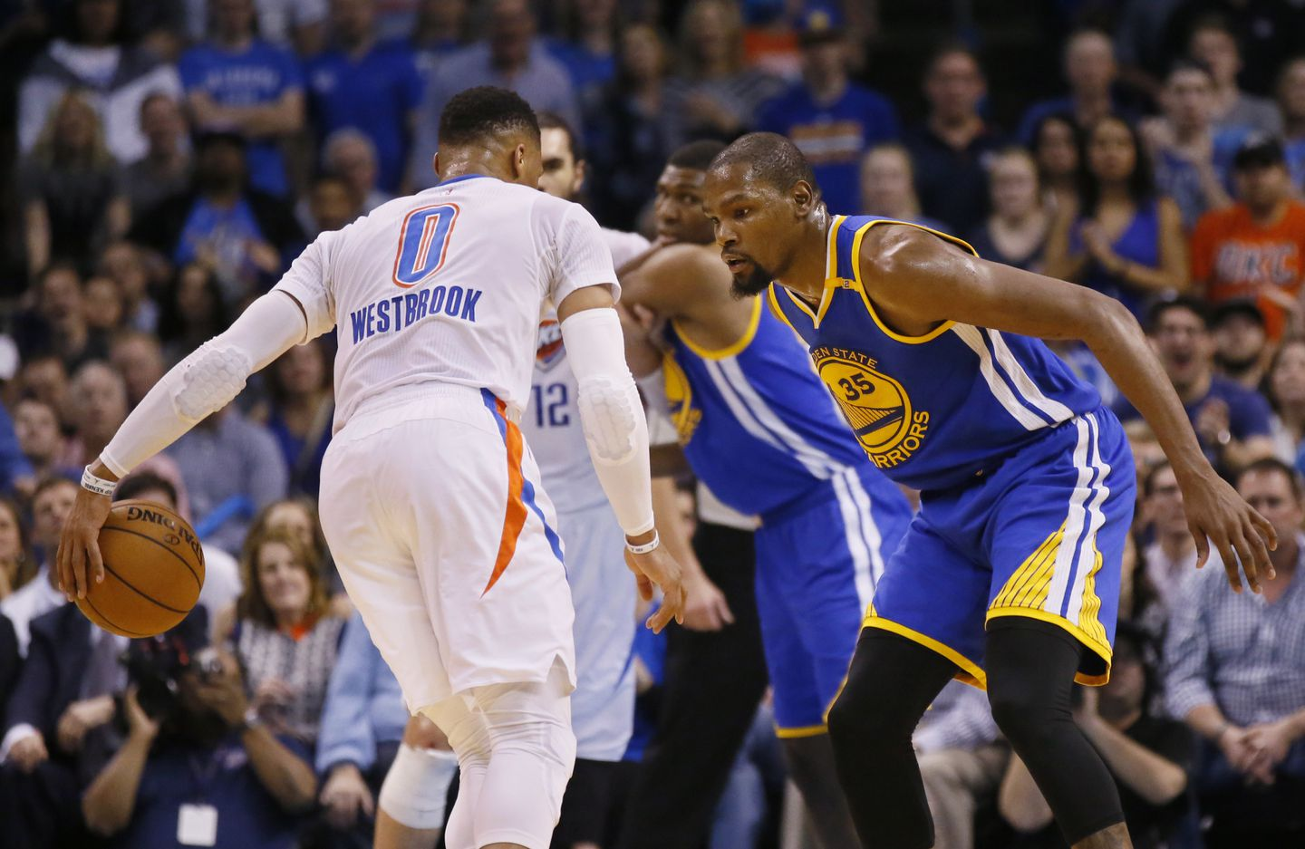 f82182407f80 Warriors forward Kevin Durant defended former Thunder teammate Russell  Westbrook in the first quarter.