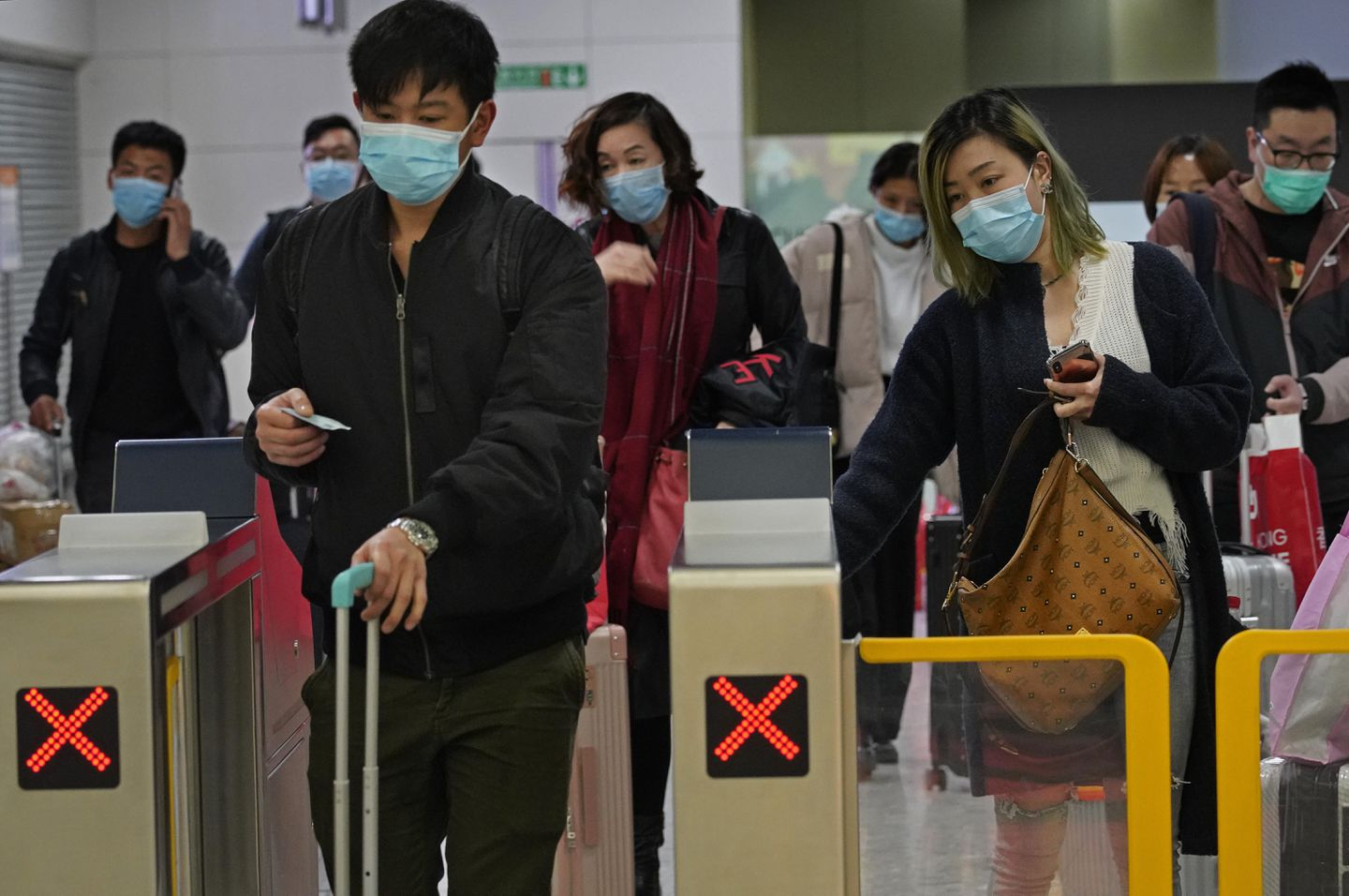 China Confirms 4 500 Cases Of Virus More Than 50 Elsewhere The Boston Globe