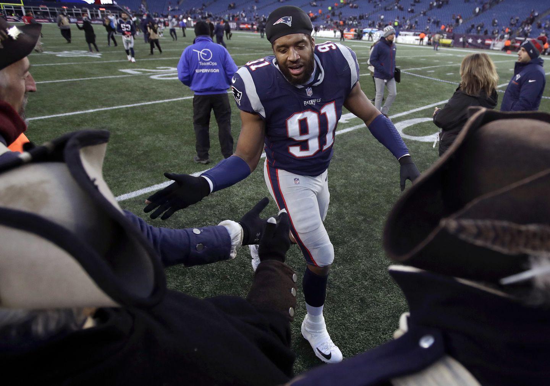 Patriots DE Deatrich Wise a healthy scratch again - The Boston Globe