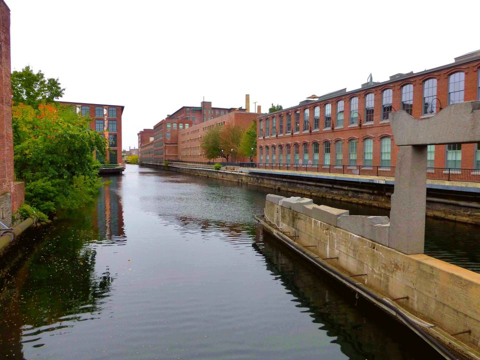 Old mill complexes along the canals have been transformed into live-work spaces for artists.