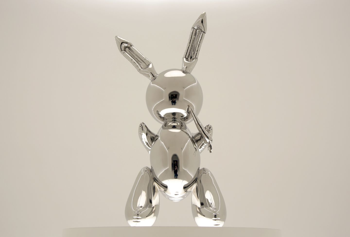 Rabbit sculpture sells for US$91m