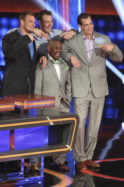 Rob Gronkowski brings moves to 'Celebrity Family Feud' - The