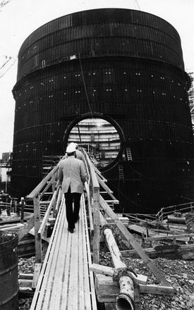 The steel shell of the containment building under construction for the reactor at the Seabrook Nuclear Power Plant in Seabrook, N.H., on Oct. 3, 1979.